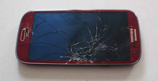 3 Ways to Replace a Cracked Samsung Phone Screen (and What It Costs)