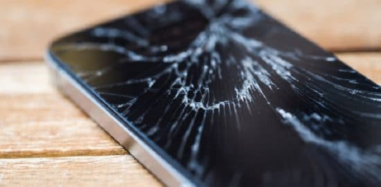 Cracked Cell Phone Screen: Sell It or Fix It? Options Compared