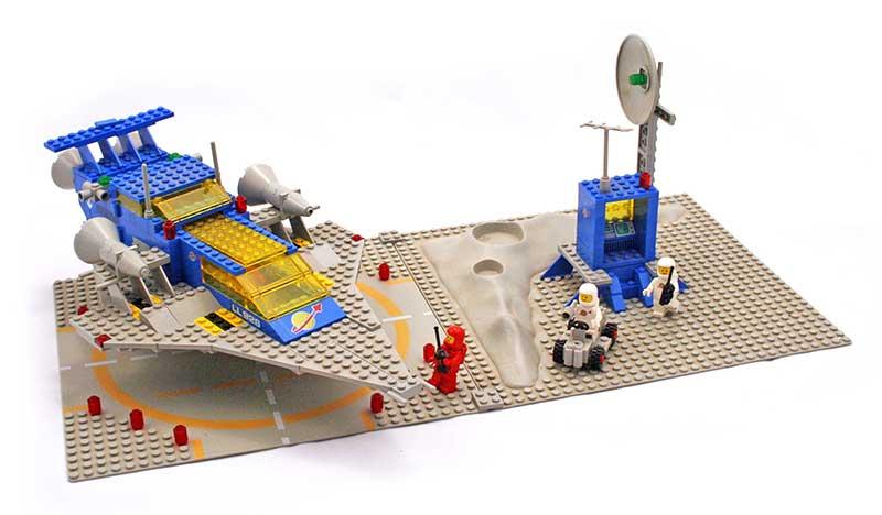 Lego Space Cruiser