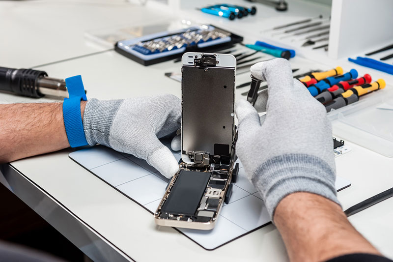How to Learn Phone Repair